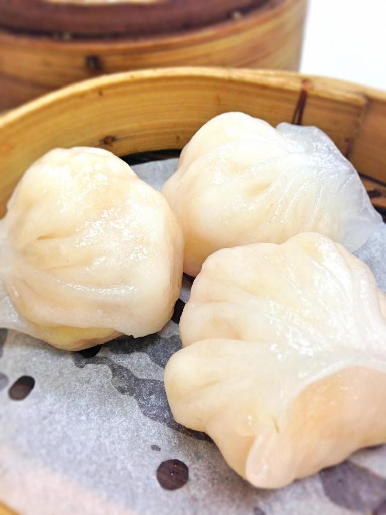 Victor's kitchen dim sum prawn dumpling