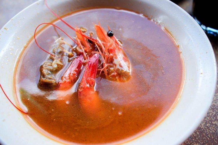 Singapore best breakfast prawn mee