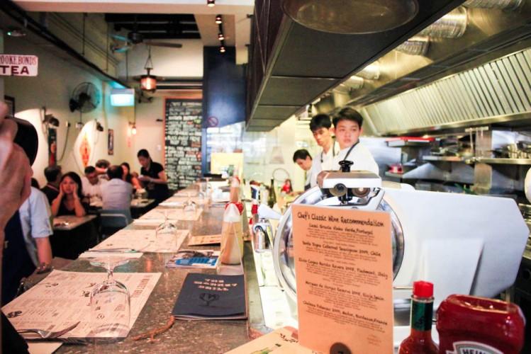 the market grill singapore - interior
