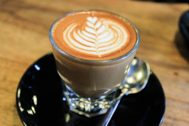 toby's estate singapore - gibraltar latte