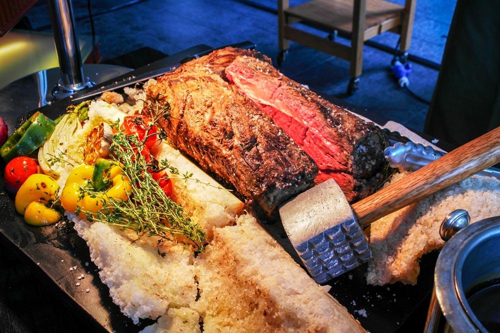 the knolls salt crusted beef