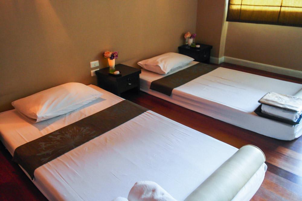 bangkok let's relax sukhumvit thai massage room spa