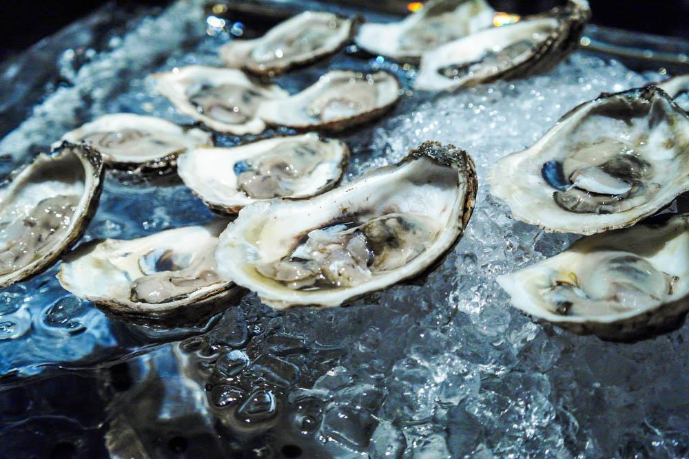 manhattan bar oysters adult only brunch