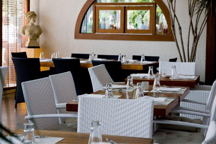 limoncello pizza and grill restaurant-interior