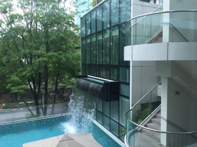 park regis singapore hotel pool
