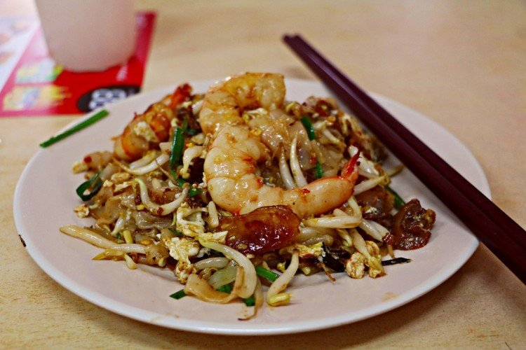 must eat foods penang char kway teow