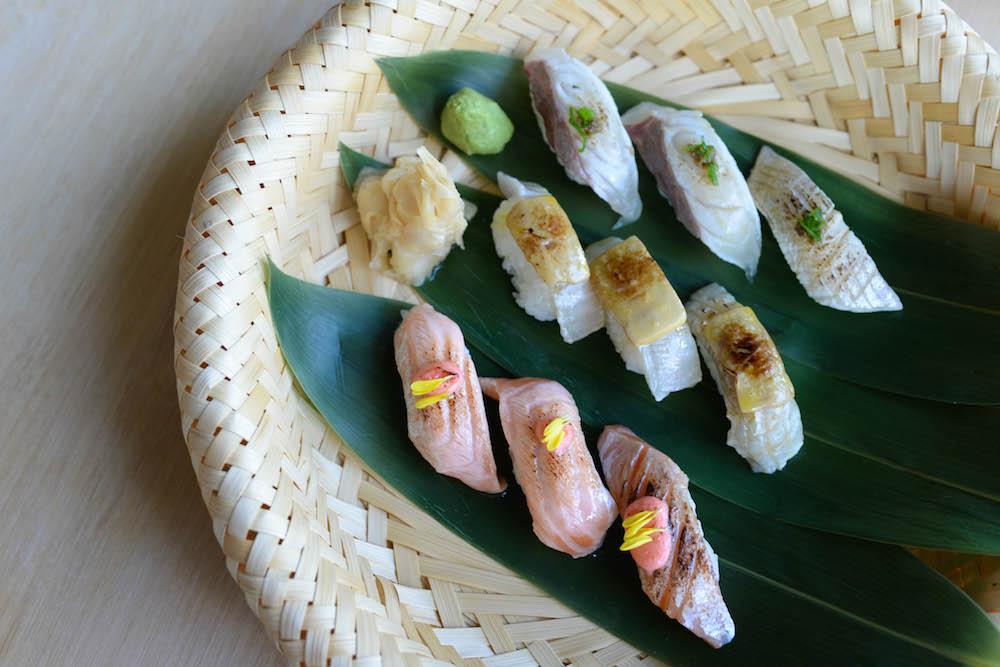 Tburu Aburi Sushi Platter (five kinds)