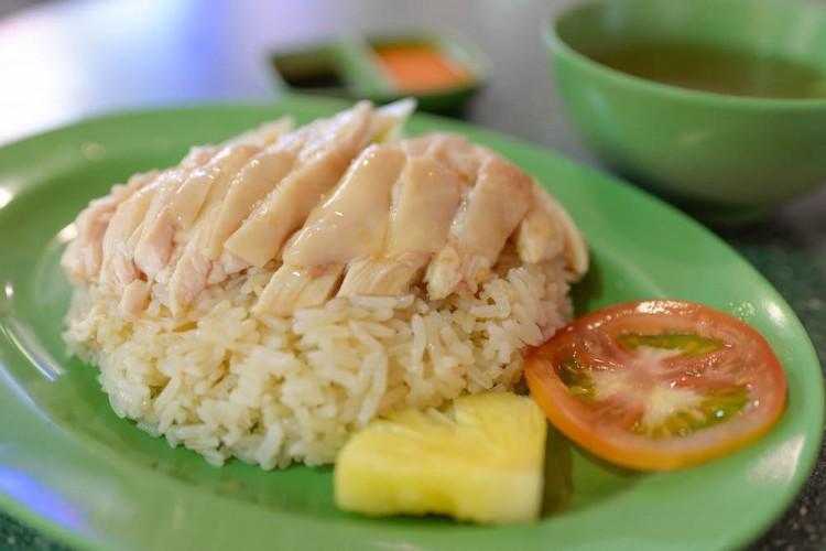 Xing Yun Hainanese Boneless Chicken Rice white