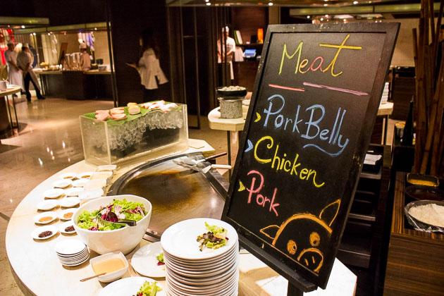Tsu Nami Brunch - pork and chicken teppanyaki