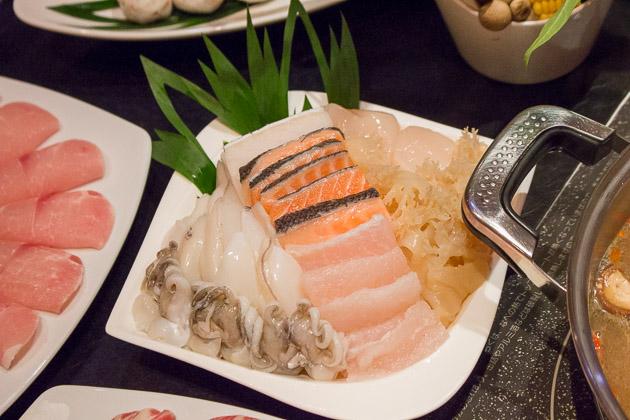Ping's Hotpot - seafood mix