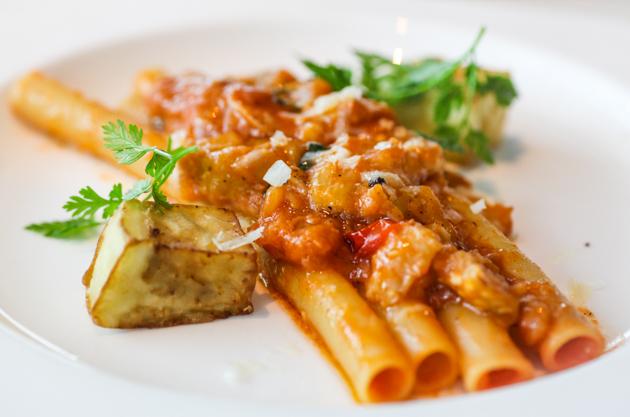 Zafferano Pasta - Melanzane Pomodoro Ricotta Salata