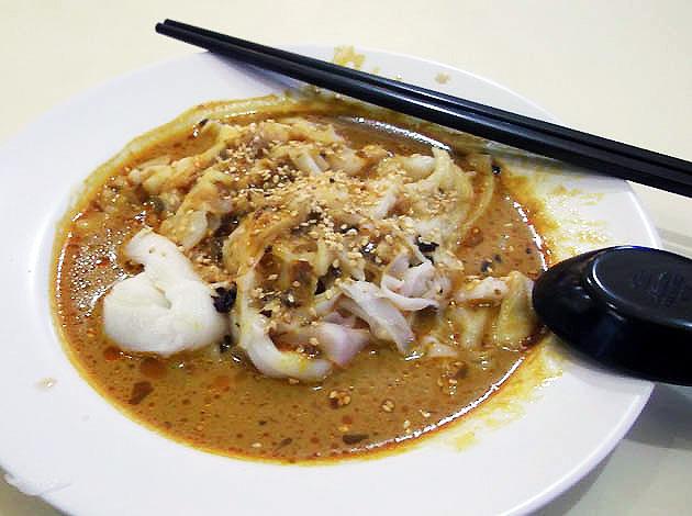 best foods to eat bukit batok Curry-chee-cheong-fun