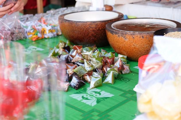 Samui-hinta-hinya-coconut-sweets