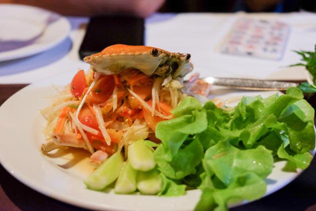 Samui-local-dinner-salad