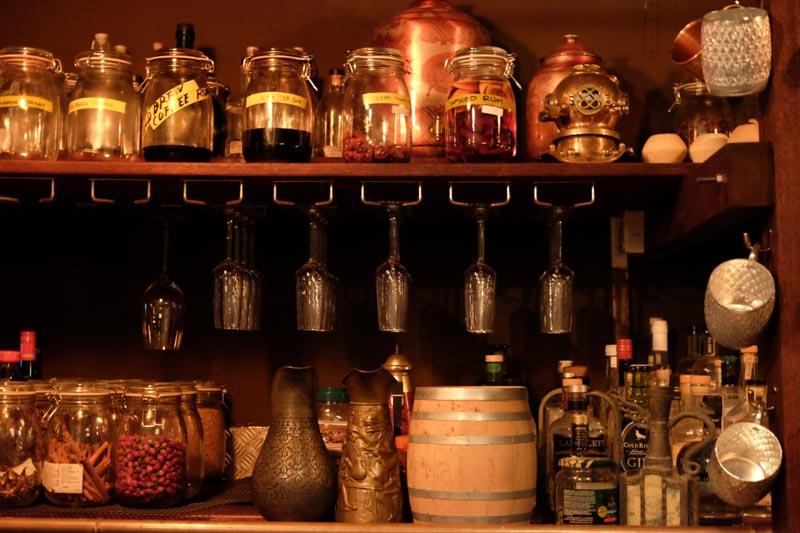 cocktails-spiffy-dapper-interior