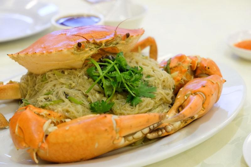 best crab beehoon singapore crab-at-bay-dry