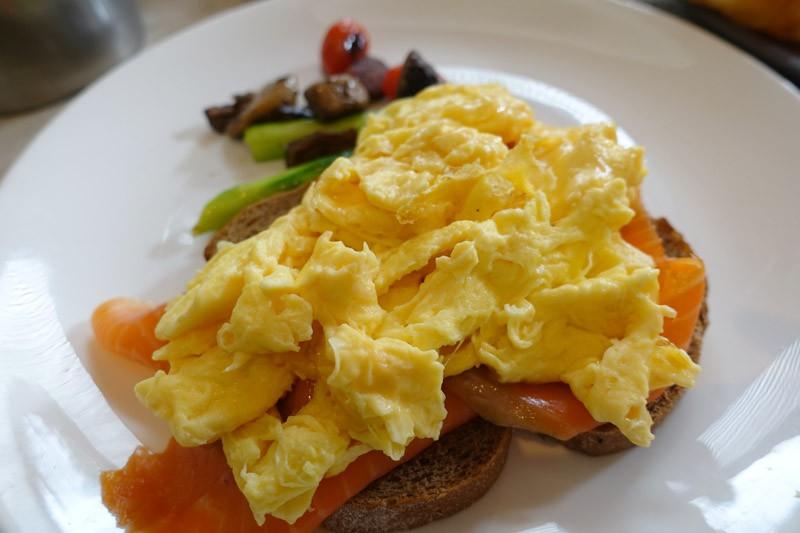 Shangri-la scrambled eggs