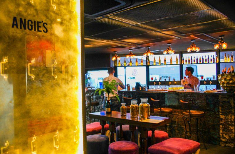 Angie's oyster bar singapore - Bar Decor
