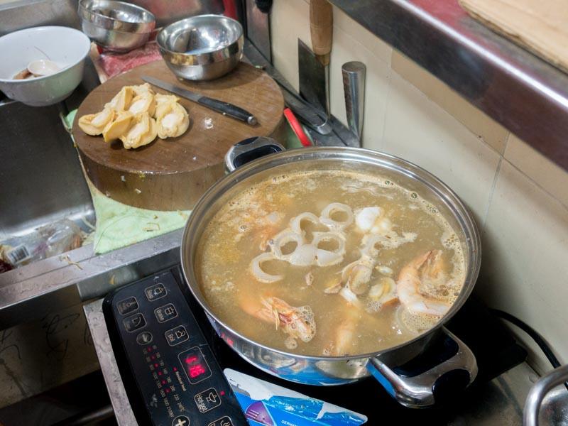 Wen Wen - Seafood stewing