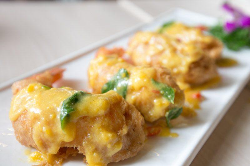 big lazy chop salted egg tempura prawns