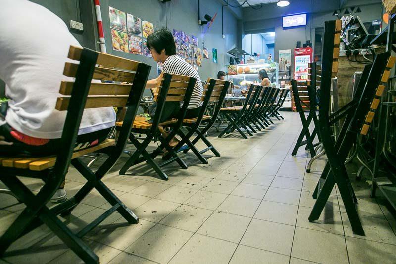 lang nuong vietnam interior 2