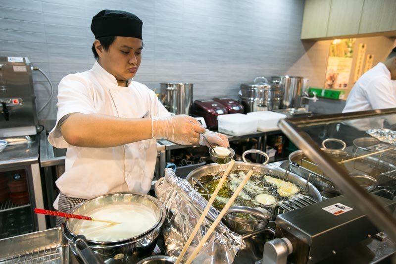 Tensho - Frying Onsen Egg