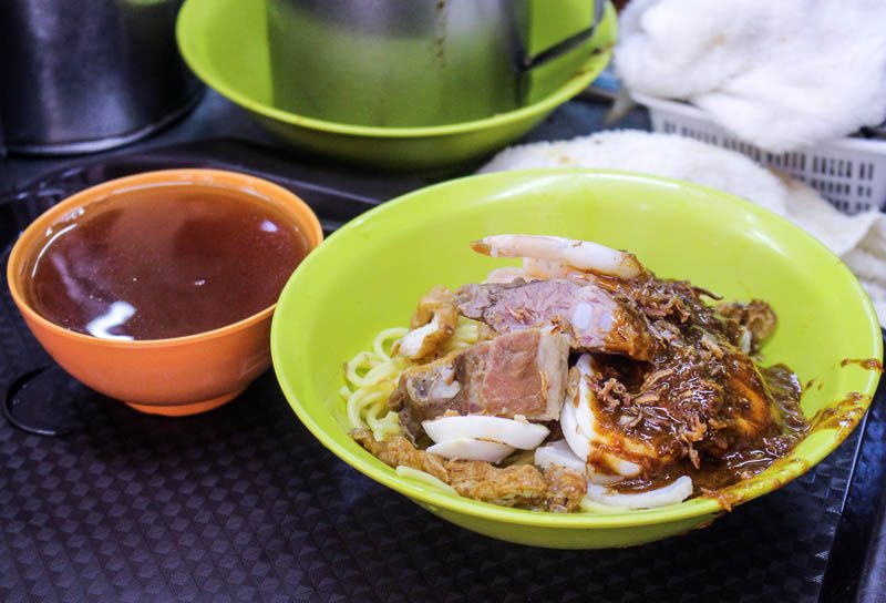 Chung-Cheng-Chill-Mee-3-800x544 Chung Cheng Chilli Mee: Unique Noodle Dish Laden With Secret Recipe Chilli Sauce At Golden Mile