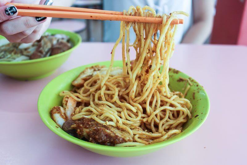Chung-Cheng-Chill-Mee-5-800x533 Chung Cheng Chilli Mee: Unique Noodle Dish Laden With Secret Recipe Chilli Sauce At Golden Mile