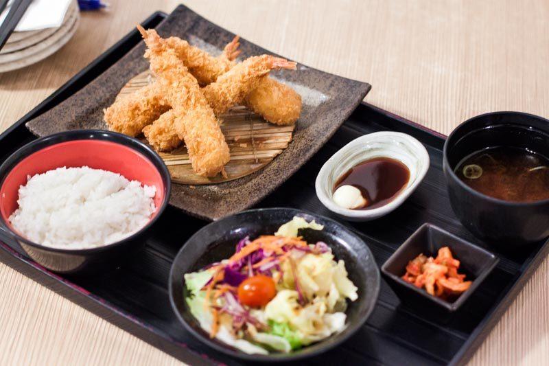 MIZ Japanese Restaurant ebi tempura