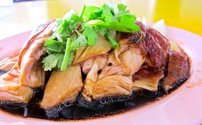http://chickenrice.com.sg/chicken-rice/hai-kee-soy-sauce-chicken-%E6%B5%B7%E8%AE%B0%E9%B8%A1%E9%A5%AD/