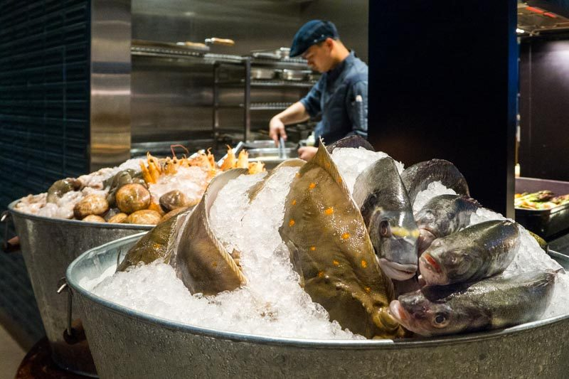 south-beach-kitchen-2-800x533 Beach Road Kitchen: All-Day Buffet With Fresh Seafood, Live Stations, A Built-In Pizza Oven & Charcoal Grill At JW Marriott Singapore South Beach