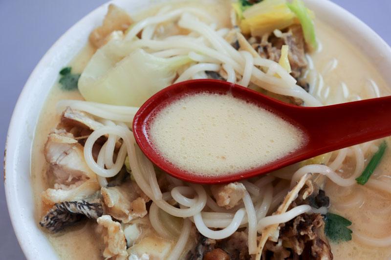 Hua Ji Xo Fish Head Beehoon 10 old airport road food centre