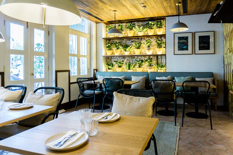 Olivia Restaurant & Lounge 2