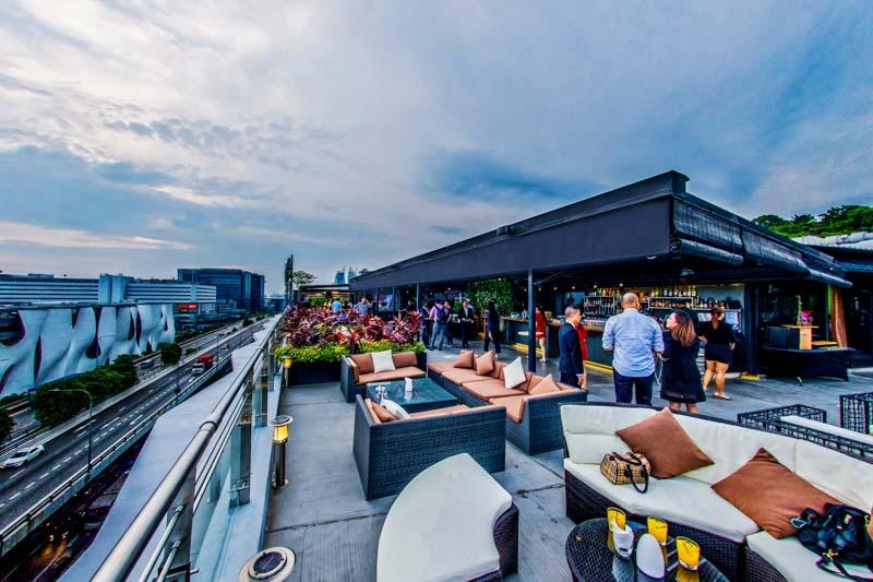 Propeller Bar's Wanderlust Party 4 Online