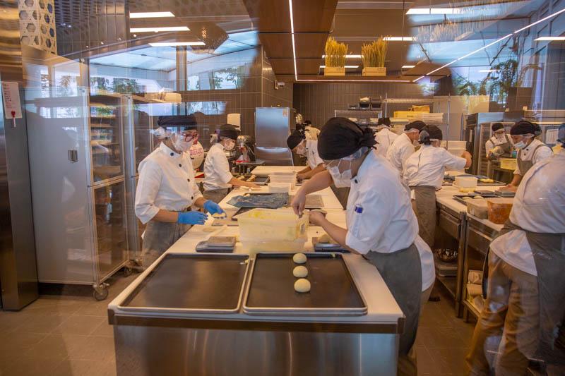 Wu Pao Chun Bakery Capitol Piazza City Hall 24