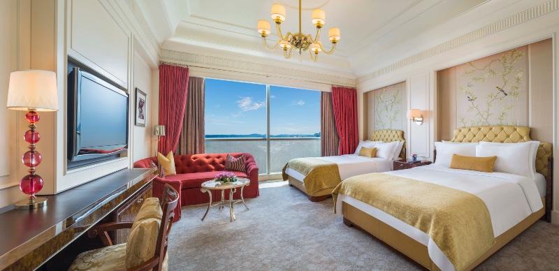 Hotel Listicle St Regis Online 2