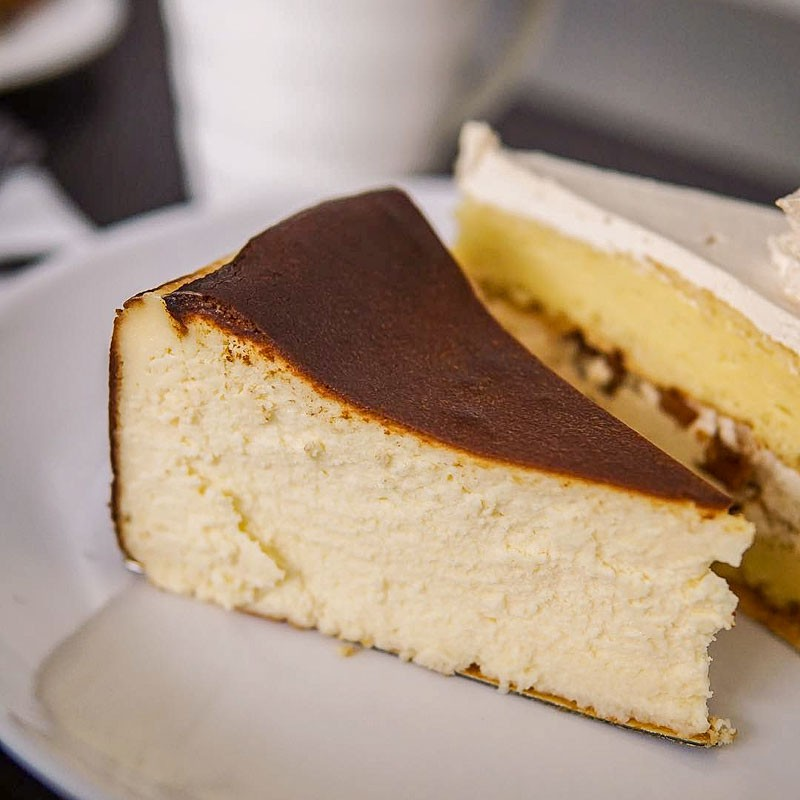 Fluff Bakery Bugis Basque Burnt Cheesecake Online 2