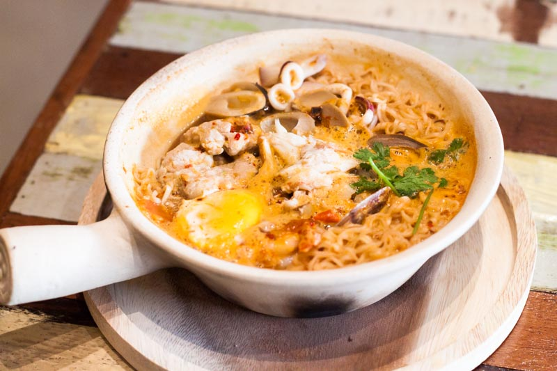 Tomyum Mama Savour The Popular Instant Noodles Claypot