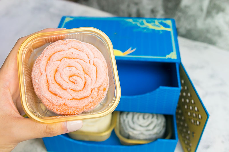 InterContinental Mooncakes 2018 1 15 Unique Mooncake Flavours In 2018 That'll Fly Your Taste Buds To The Moon