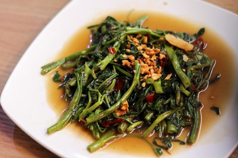 A plate of fried Kang kong