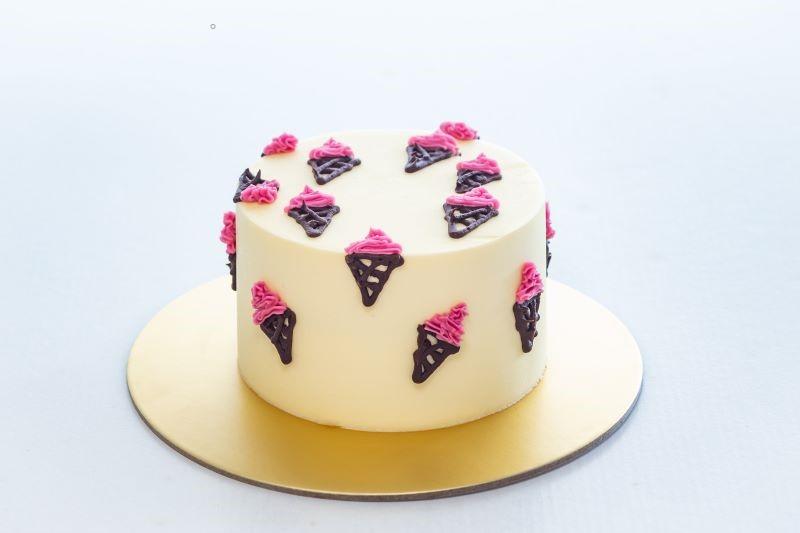Ugly Cake Shop cake